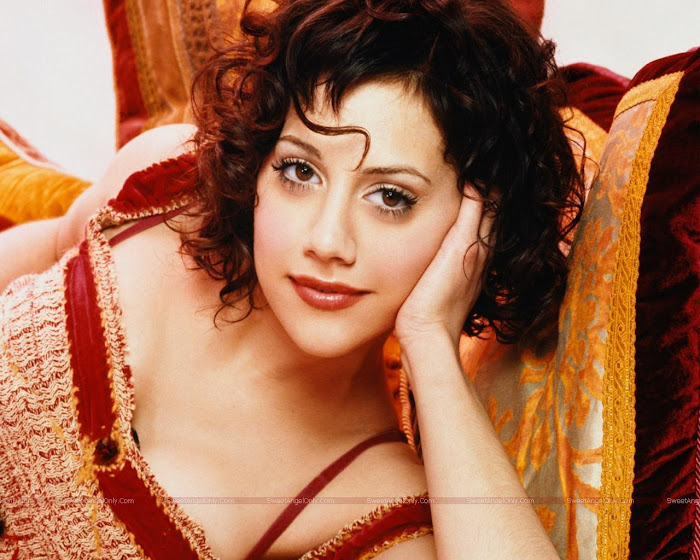 Brittany Murphy HD Wallpaper -02