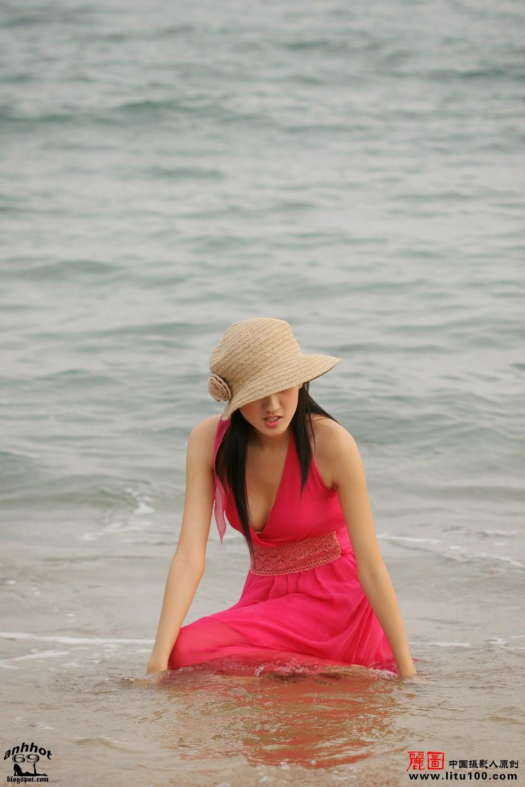 litu-200600819-zhang-tian-yi-sea_IMG_7072