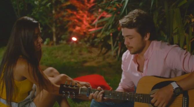 Güneşin Kızları 7bölüm Alinin Gitarla çaldığı şarkı Dinle