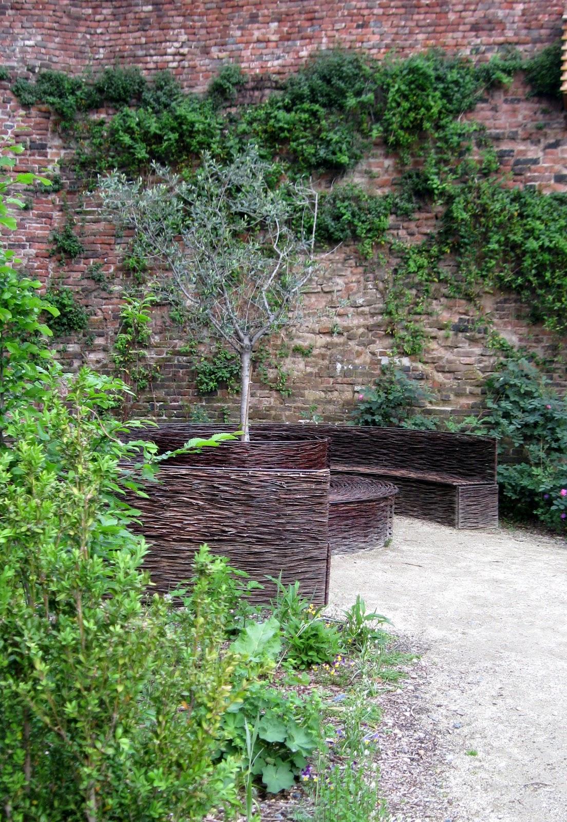 Archi Tetti Il Giardino Dei Semplici