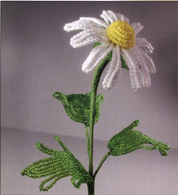 все этапы плетения цветка.