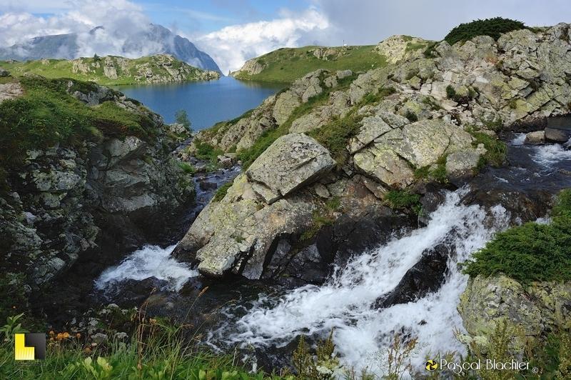 d'un lac à l'autre lac noir et lac besson photo pascal blachier