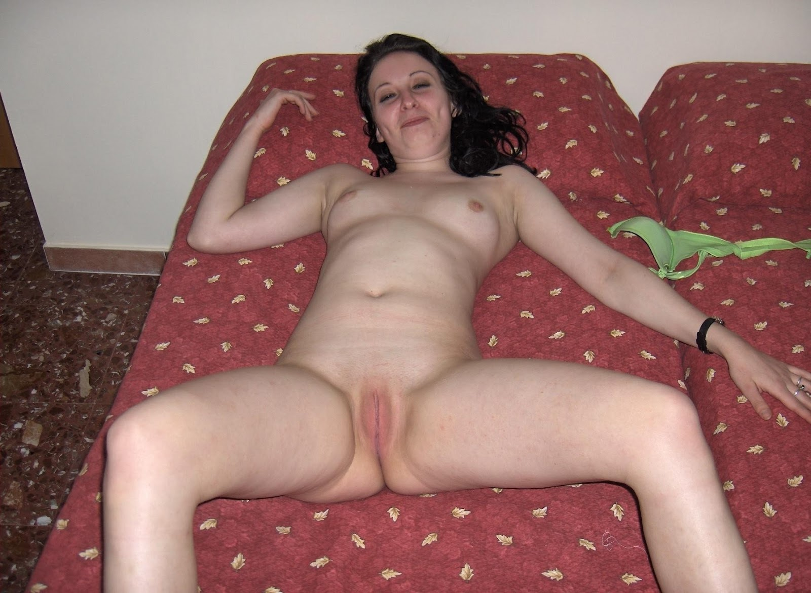 Homemade amateur wives spreading