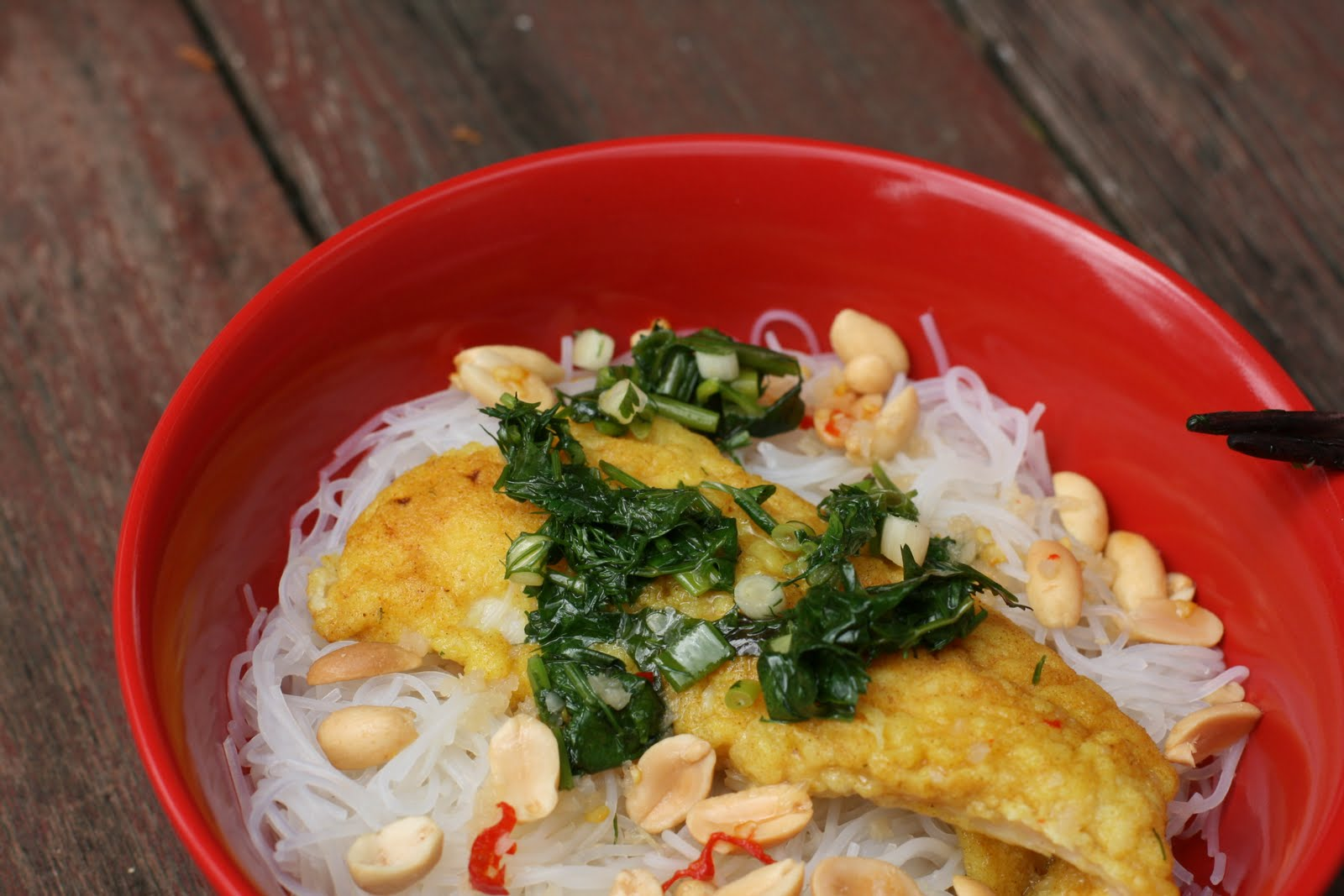 Vietnamese Turmeric Fish with Rice Noodles, Dill and Nuoc Cham Recipe ...