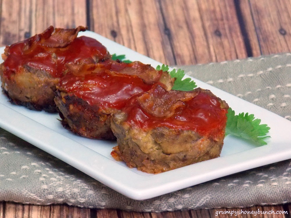 Bacon Cheeseburger Meatloaf Muffins - 7 WW Points plus! High in protien, low carb, low fat, and super tasty!