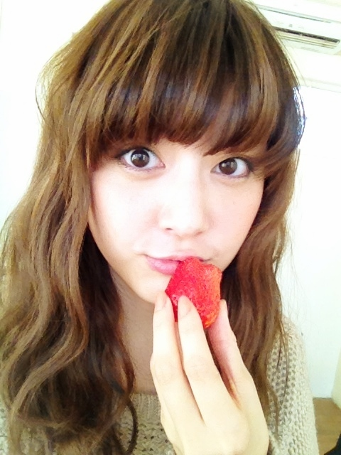 イチゴと佐藤ありさ。