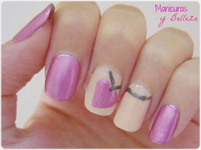 Manicura rosa uñas colgante de corazón amor de verano Nails nail art pink summer love necklace heart Kiko mirror