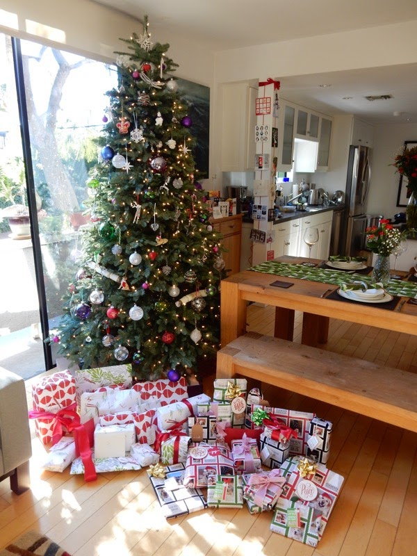 Christmas Day tree presents