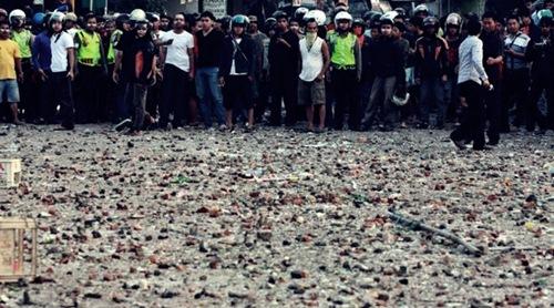 Bentrok Ormas di Medan
