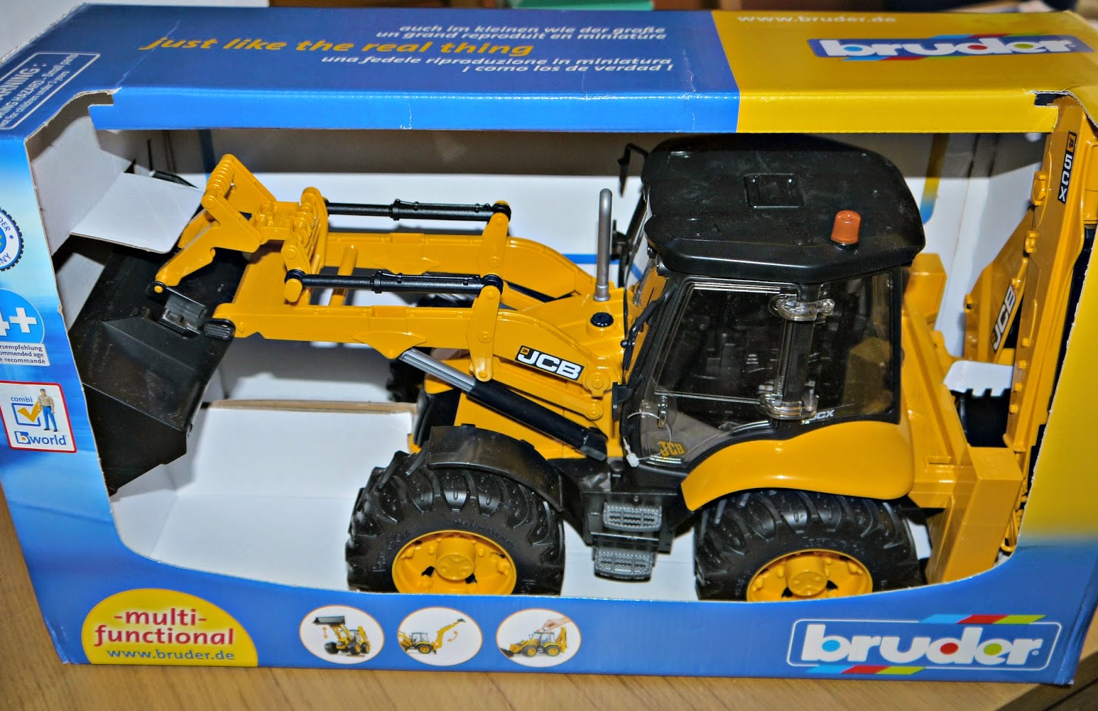 inside the wendy house jcb 5cx eco backhoe loader toy review