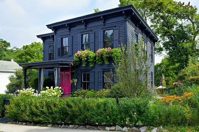 victorian houses exterior paint colors