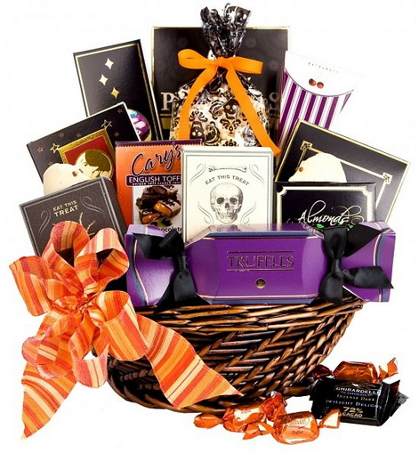 the queen of halloween: HALLOWEEN GIFT BASKETS