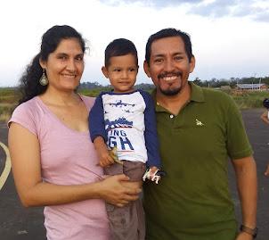 Gilmar, Noemí y Santiago
