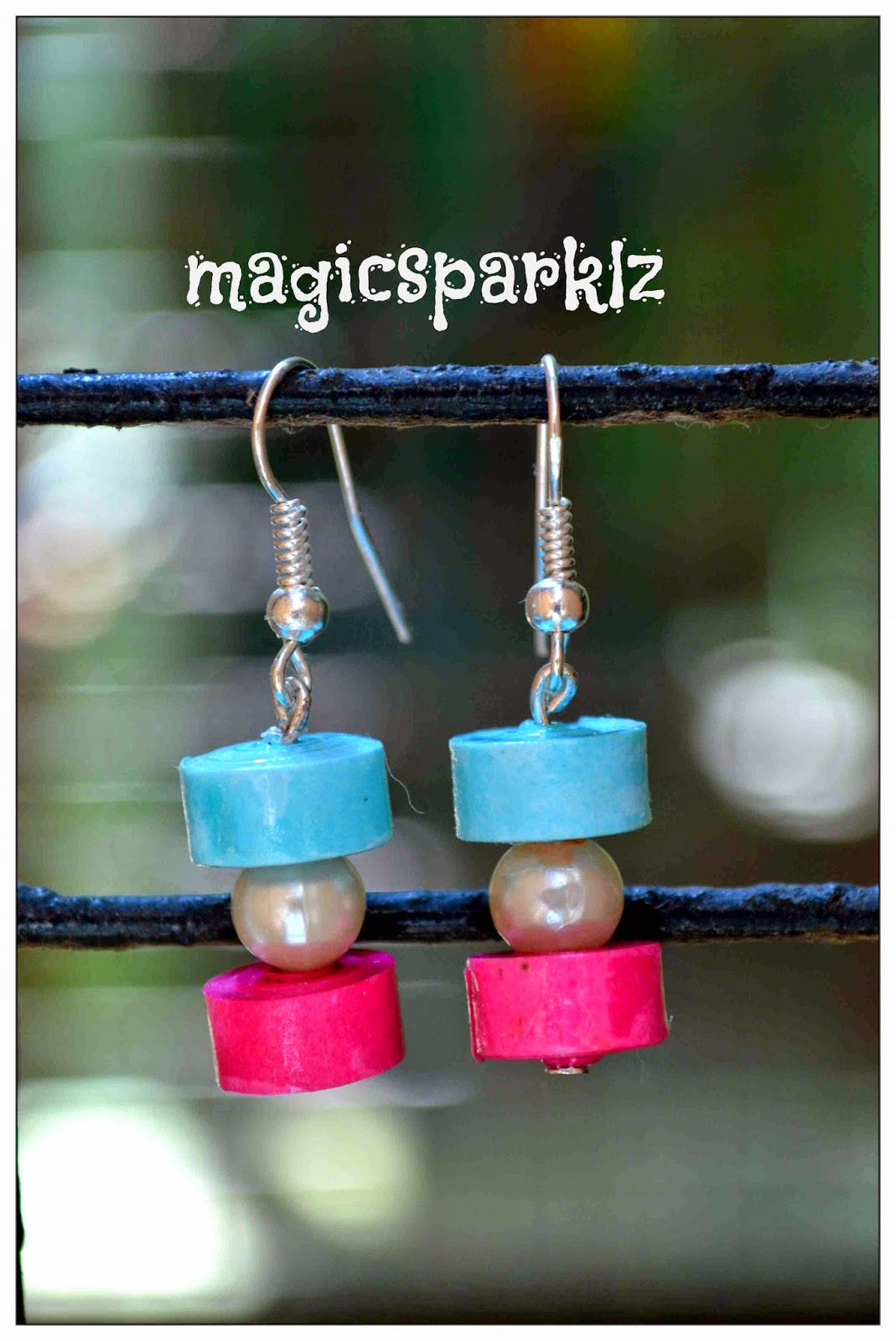 Simple and elegant wuilled disc earrings