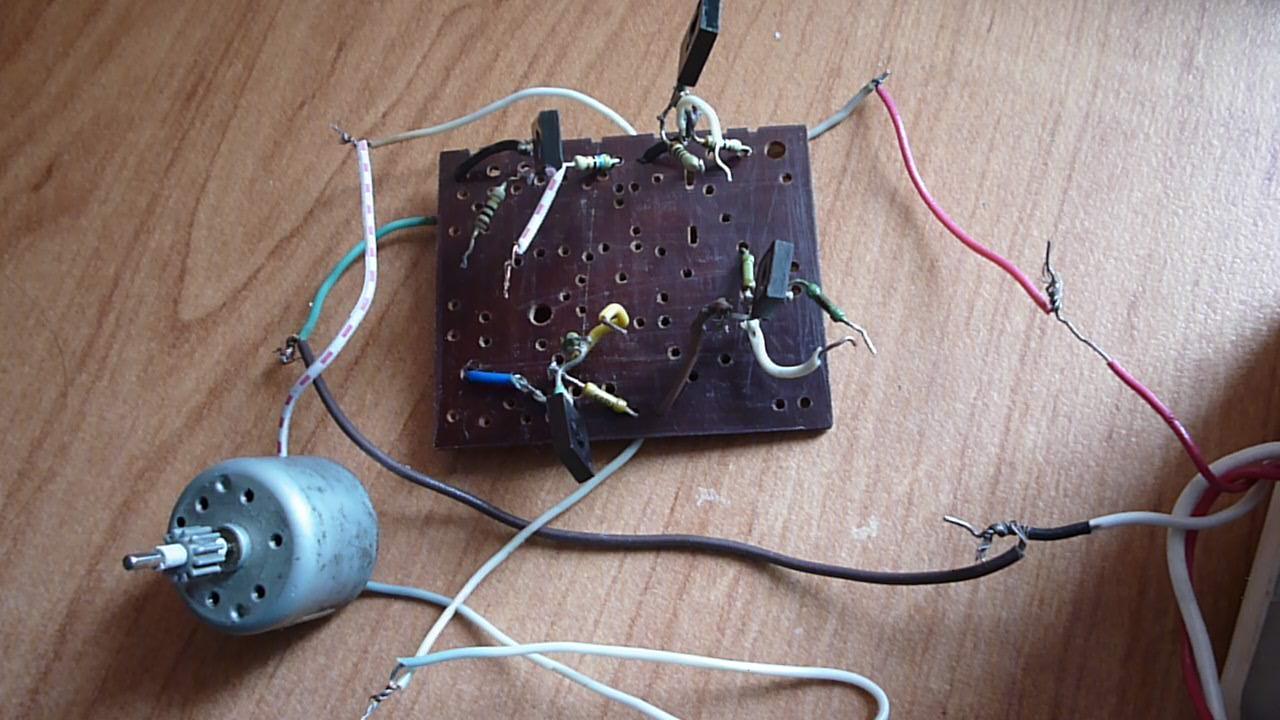 Для реализации мостовой схемы требуется больше транзисторов чем для схемы из предыдущей статьи но в мостовой схеме...