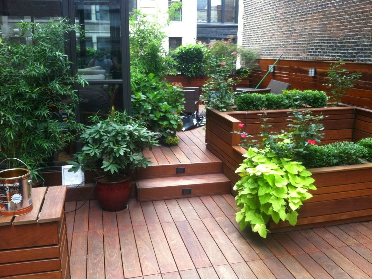Ny rooftop gardeners nyc rooftop garden designers - Urban gardening in contaminated areas ...