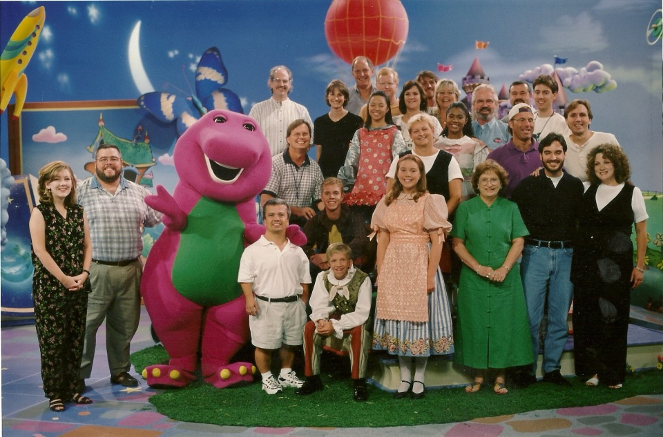 Cast and crew photo from Sing & Dance with Barney, 1999.