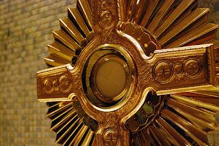 L'eucharistie, adorer Jésus