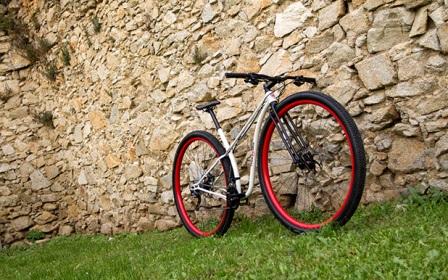A primeira bicicleta com aros 36 polegadas do mundo é lançada comercialmente