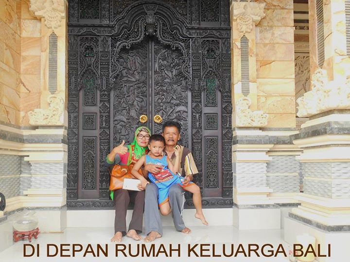 Ayah, Ibu dan Adik Datang ke Bali