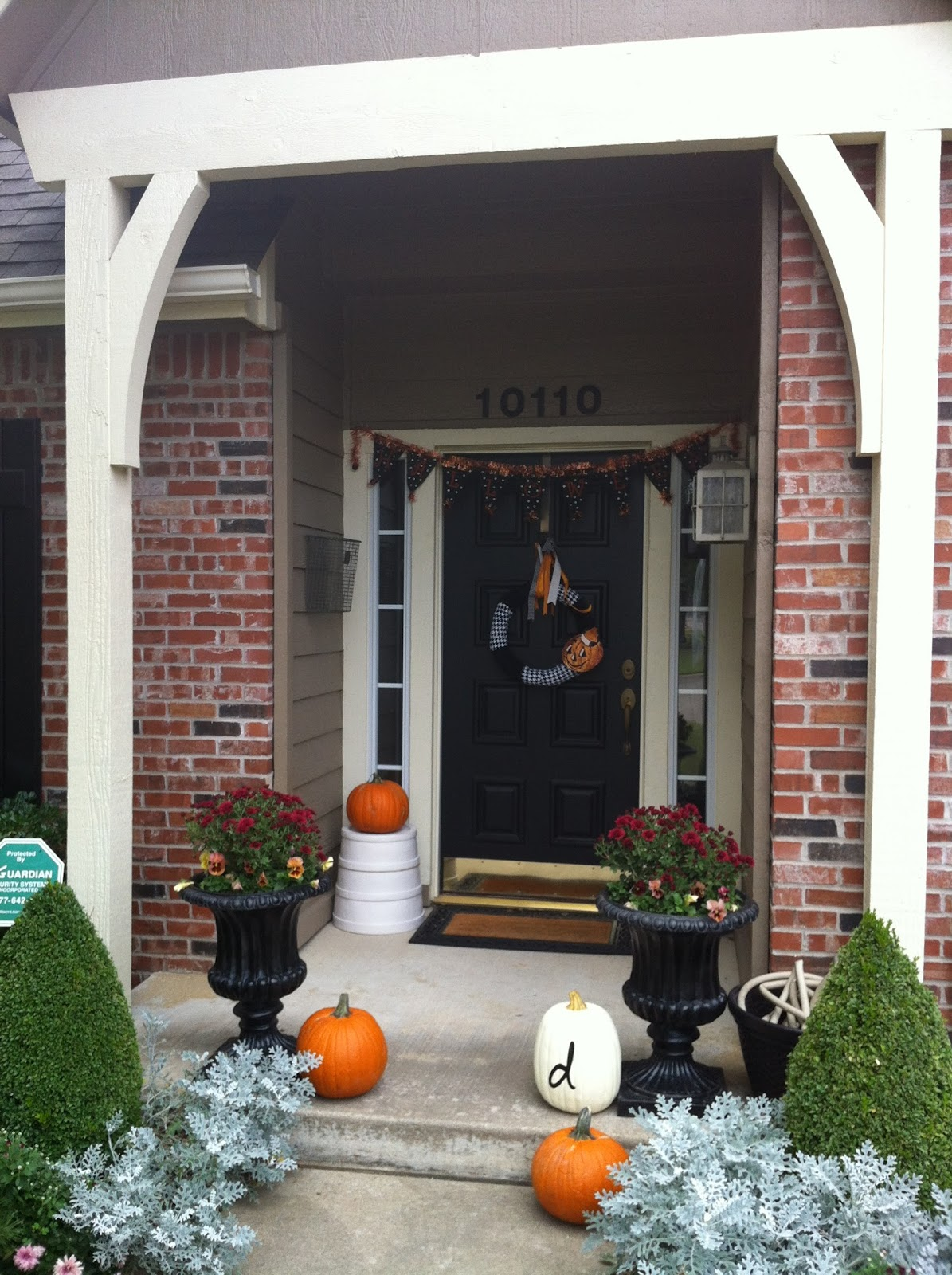 Halloween Jack O Lantern Wreath And Front Door Decor