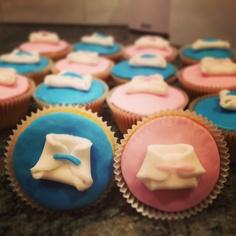cupcake cha de revelação/bebê