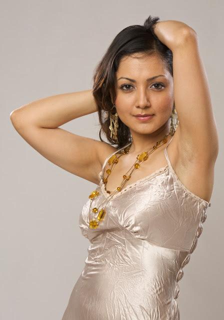 Actresses Photos: Bollywood Actress Aarti Makhijani New