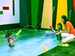 Kolam Renang Amaris Hotel Cihampelas Bandung Jl 171 Di Penginapan Murah