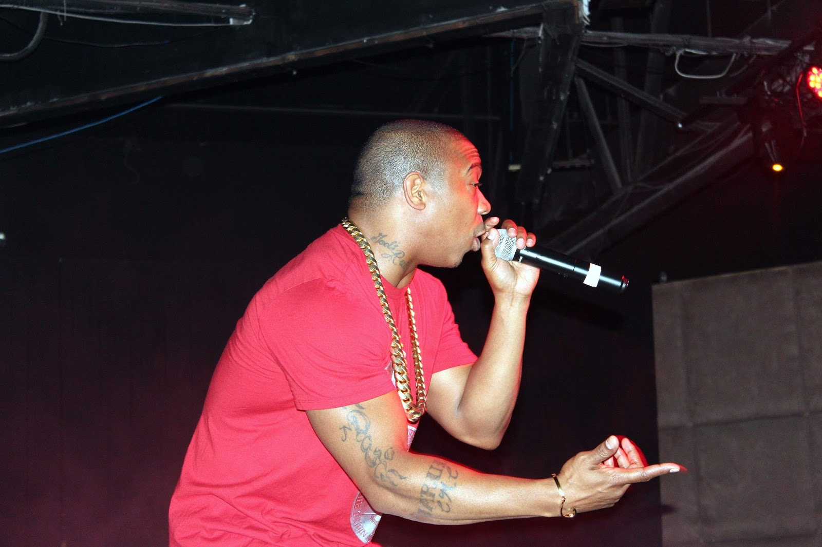 ja rule had an ear for beats that were catchy but not compromising an ability to write and find hooks and collaborators that bolstered his raps