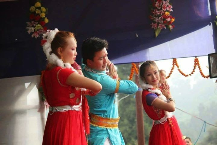 Darjeeling's 1st Male Belly Dancer Nayan Rai in Dance india Dance