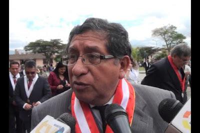 Rector de la UNC no acata mandato de la SUNEDU