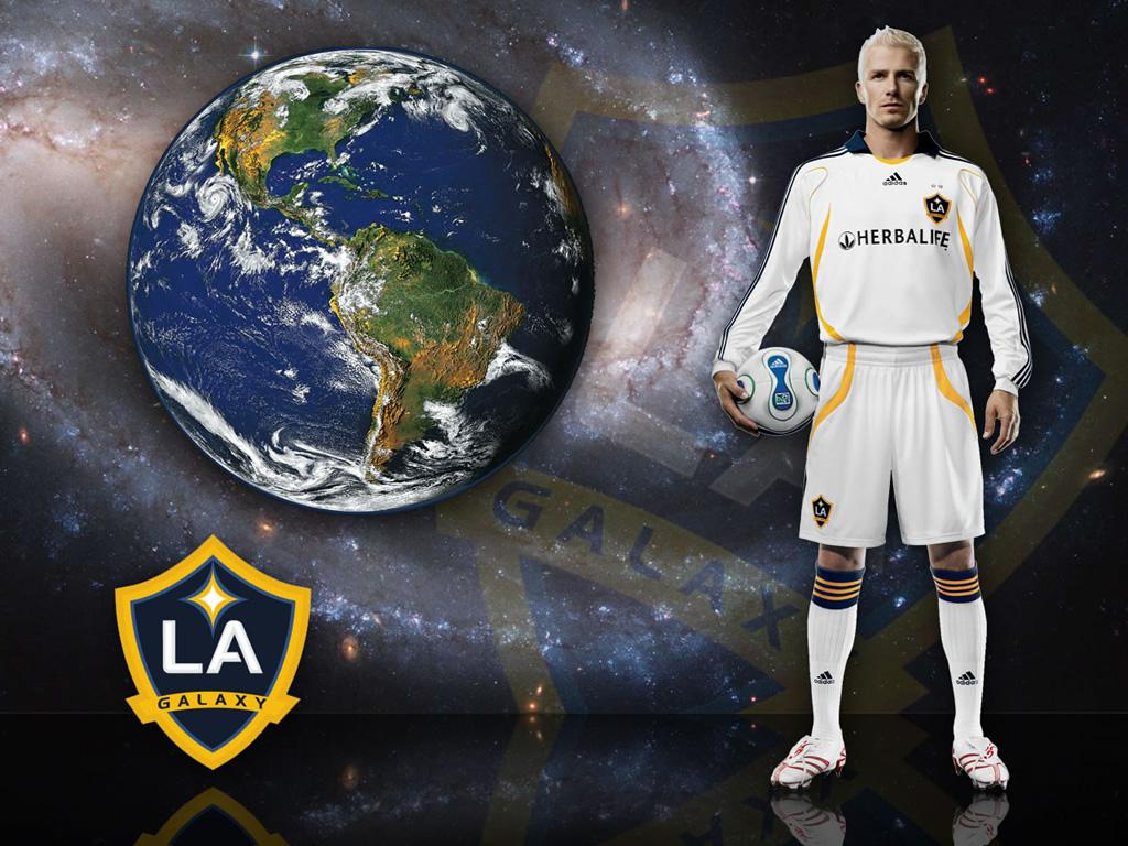 http://3.bp.blogspot.com/-bVnEIkDRRdo/TtwIDzixA2I/AAAAAAAAFaI/xJhNlYVWwe0/s1600/david-beckham-lands-in-melbourne-la-galaxy-soccer.jpg