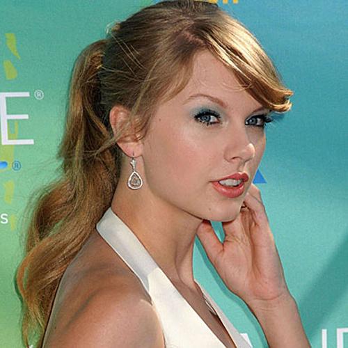 Taylor Swift - Ponytails