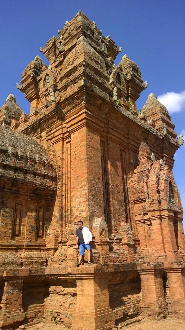 Một vài công trình kiến trúc đẹp ở Ninh Thuận.