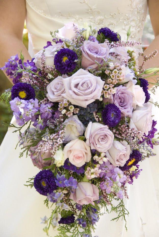 wedding flower bouquet sizes. Black Bedroom Furniture Sets. Home Design Ideas