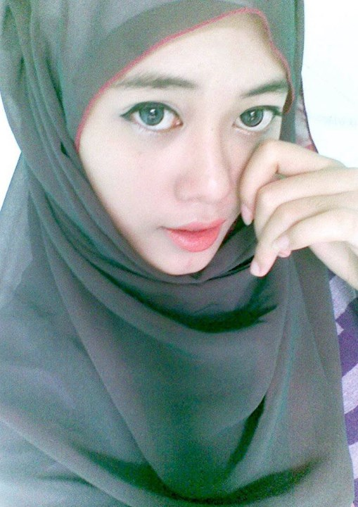 ditta parindarty   mwf 2013 cara memakai jilbab