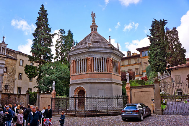 Image of the baptistery in Bergamo, Italy.
