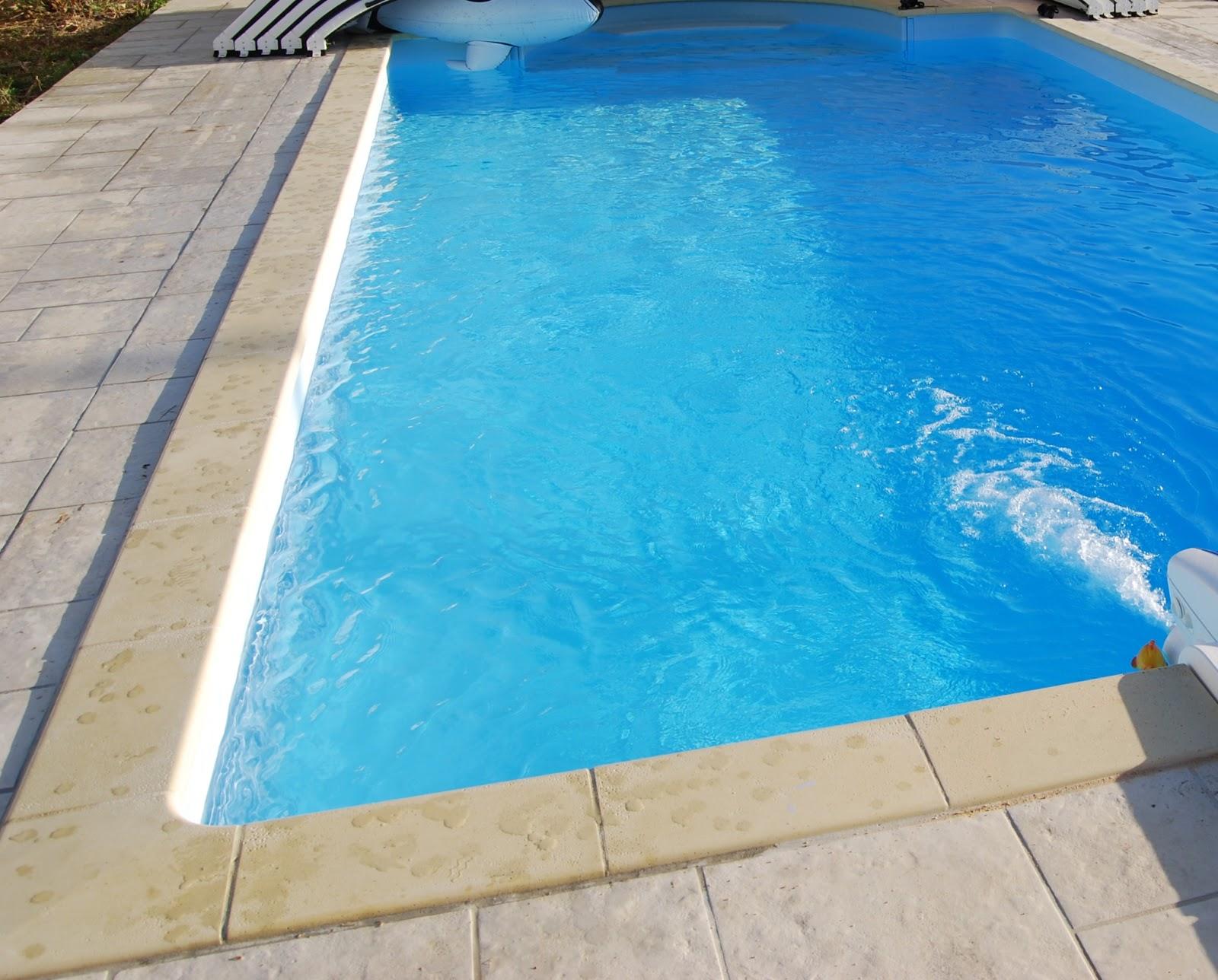 Royanvacanceseustache royan location avec piscine priv e for Construction piscine royan