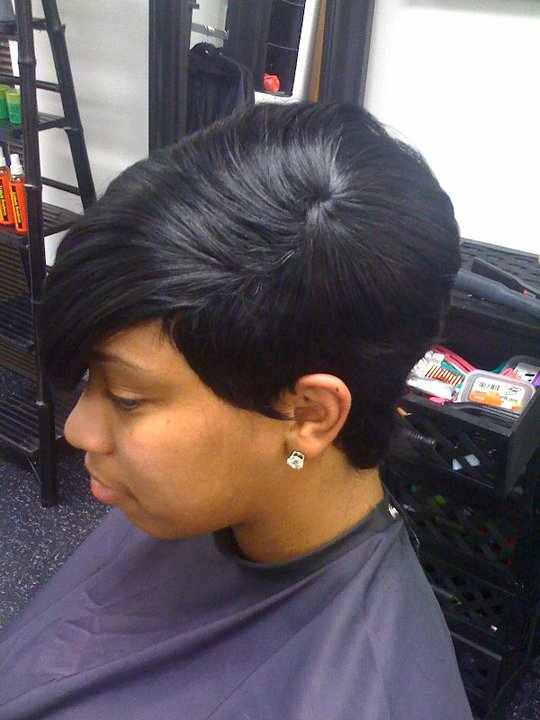 Posted by Strictli Hair at 10:04 PM 11 comments: