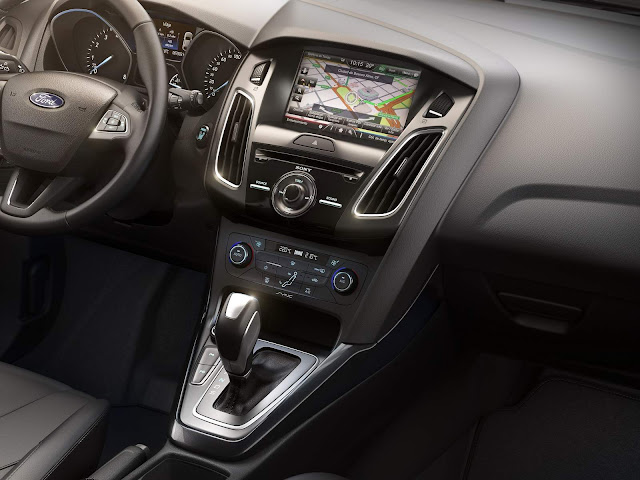 Ford Focus Fastback Titanium Plus - interior