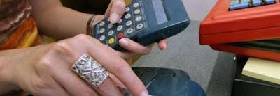 buongiornolink - Carte e bancomat, da oggi nuove regole Ecco cosa cambia, l'allarme del Codacons