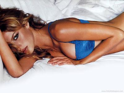 Brazilian Hollywood Actress Gisele Bundchen Wallpaper-1600x1200-01