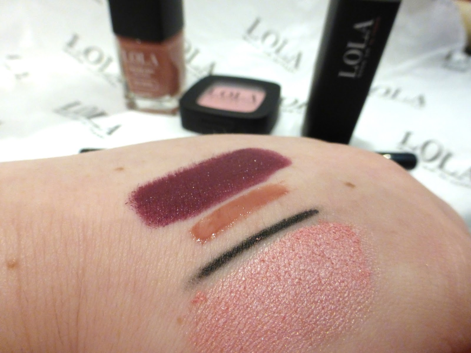 Lola makeup by perse swatches