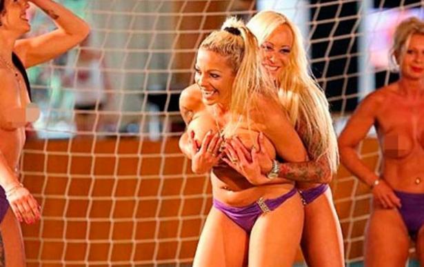 Alemanha Promove Campeonato Europeu De Futebol Atletas Nua