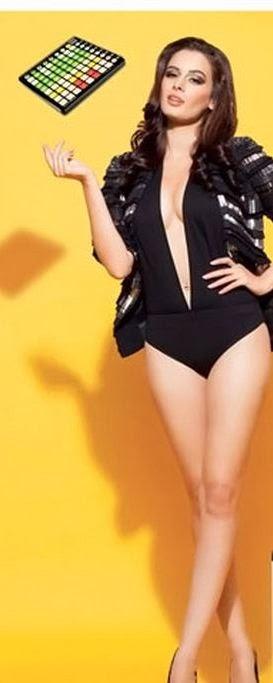 Evelyn Sharma in swimsiut
