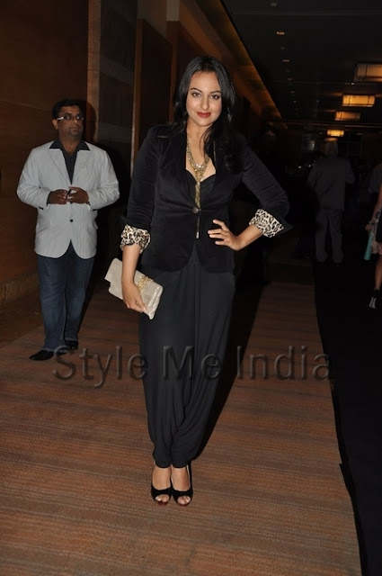 Sonakshi Sinha dress