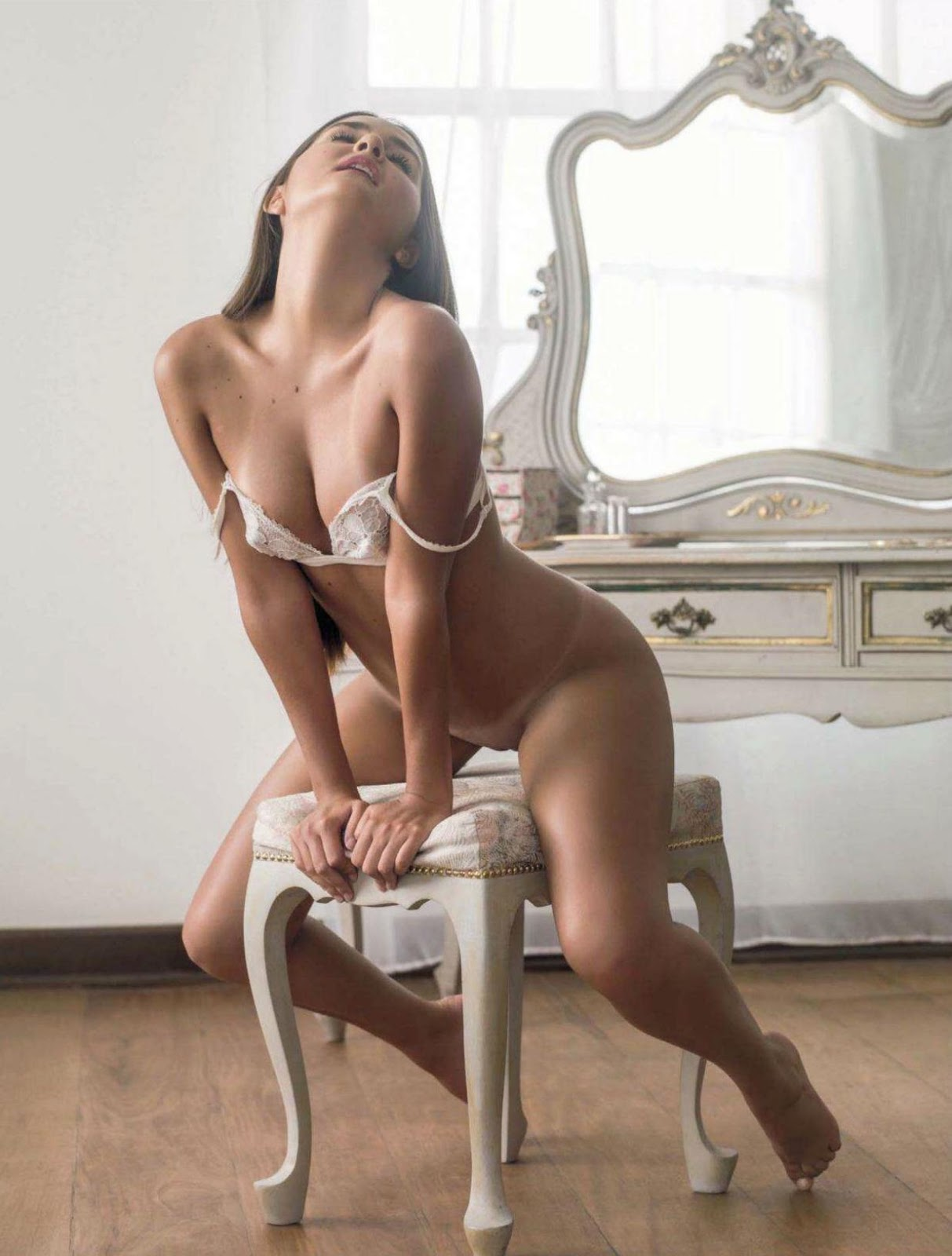 http://3.bp.blogspot.com/-bXdx06FTso8/UO21pDtjwbI/AAAAAAAAHq8/6IPlbOCBsKw/s1600/689289803_CatarinaMigliorini_011_123_543lo.jpg