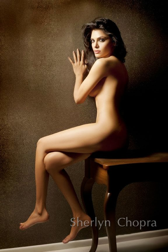 Sherlyn-Chopra-Without-Clothes