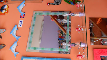 Espelhos e prateleiras para banheiro