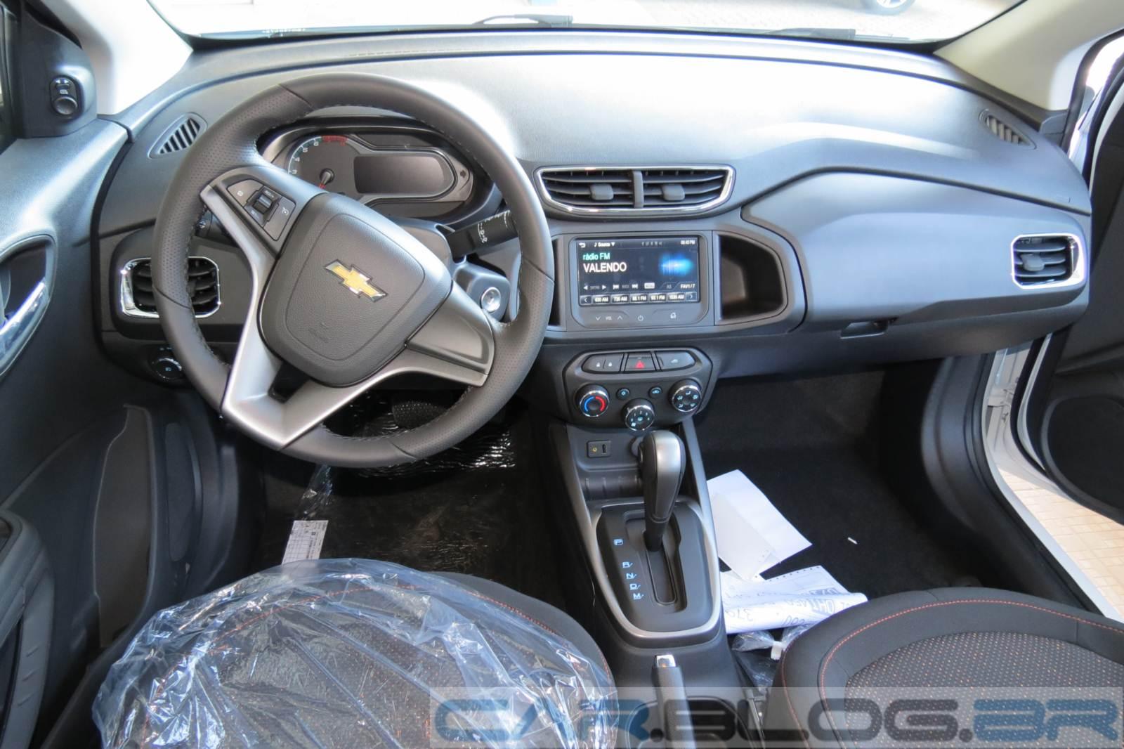 Chevrolet Onix 2015 - interior - painel